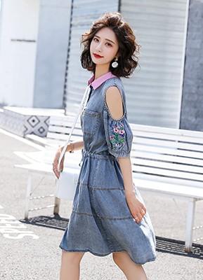 MW9152 绣花露肩牛仔连衣裙